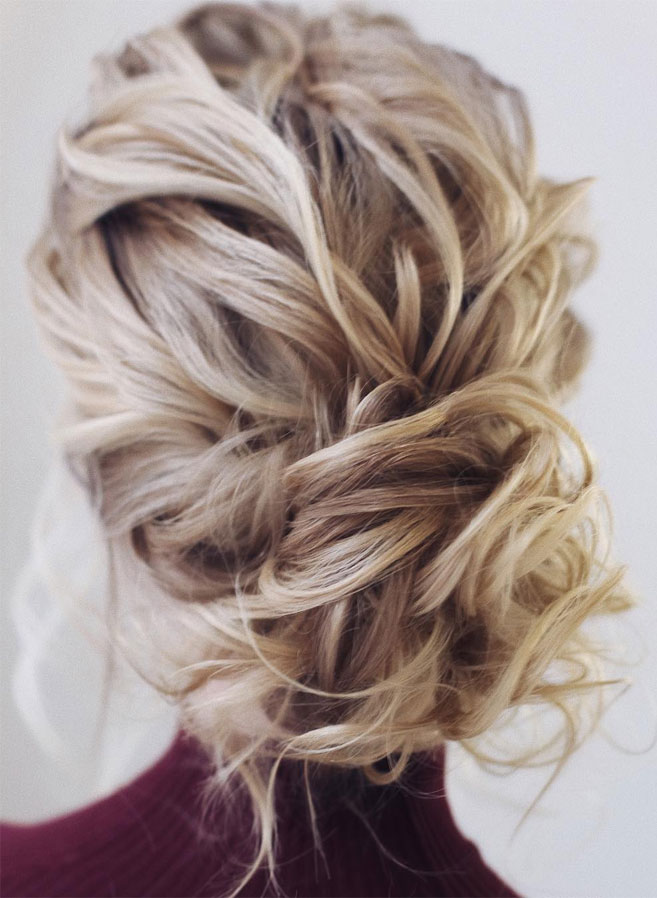 11 Gorgeous hairstyles for WAVY HAIR that perfect for any occasion - half up half down hairstyle #hairstyle #weddinghair #promhairstyle #prom #wedding .hair down wedding hairstyle , wedding hairstyles ,wedding hairstyles #weddinghair #hairstyles #updo #bridalhair #promhairstyle #texturedupdo #messyupdo