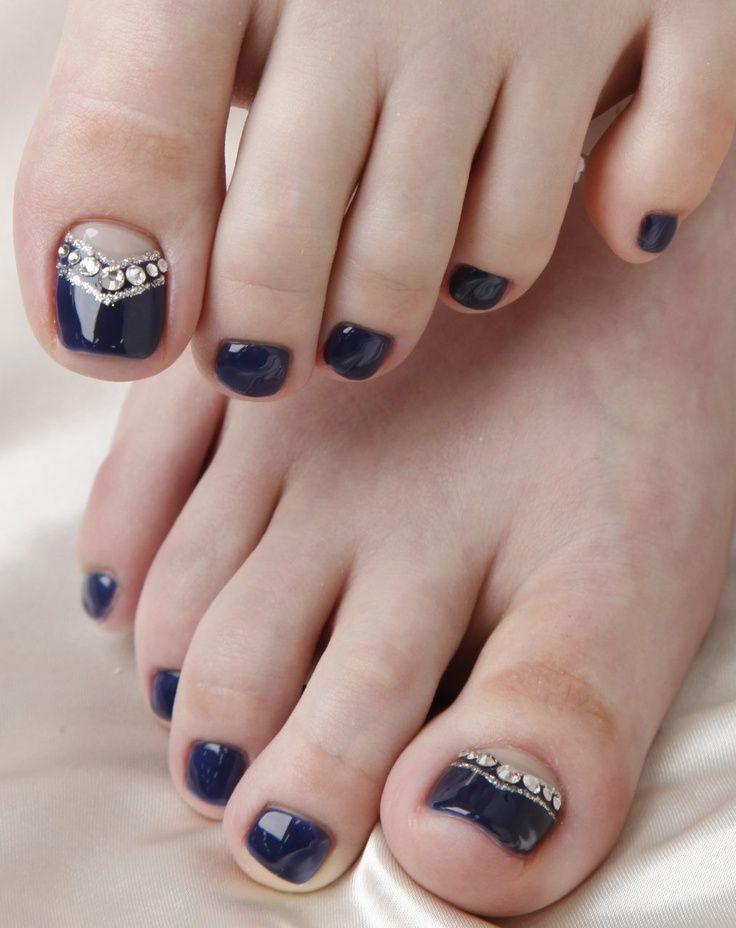 Black Toe Nail Design