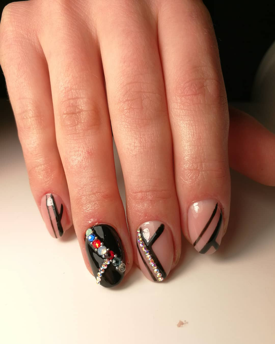 Rhinestones Decorated Amazing Black Nail Art for Almond Style Nails